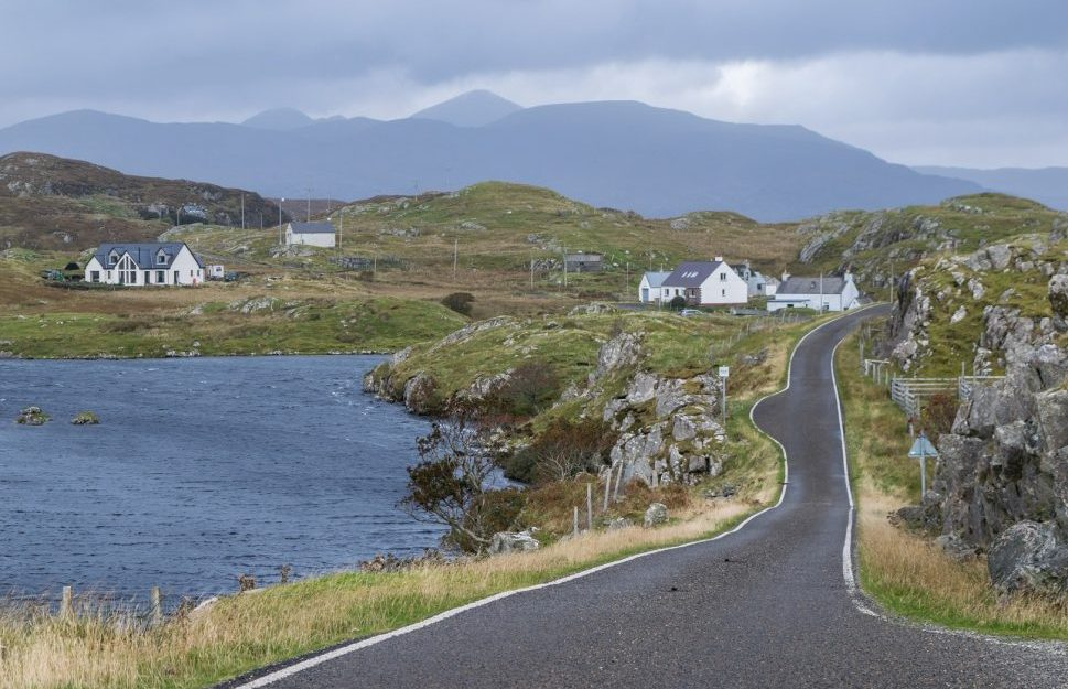 The single track roads in the south of Harris are the adventurous counterpart to the relaxing beaches of the island, and make for a scenic road trip!