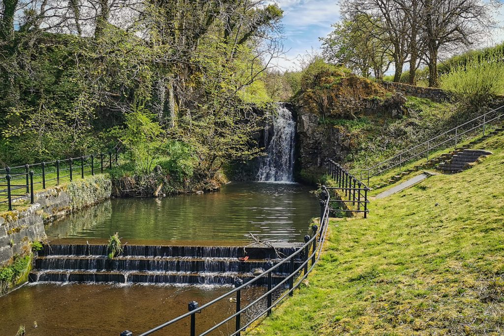 waterfall at Dams to Darnley Country Park in Glasgow
