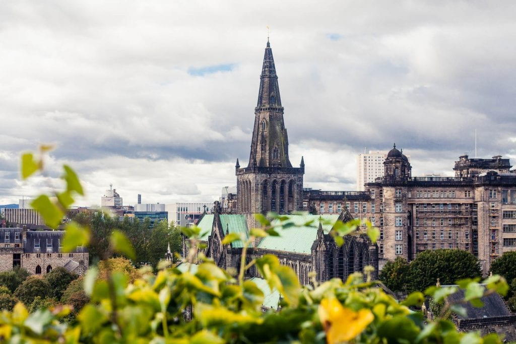 The majority of people who visit Scotland only spend one day in Glasgow. So, let's assume you have 24 hours and want to maximise every minute of that - where would you start? This Glasgow itinerary is for everyone on a tight schedule to help seeing the best of Glasgow in a day!