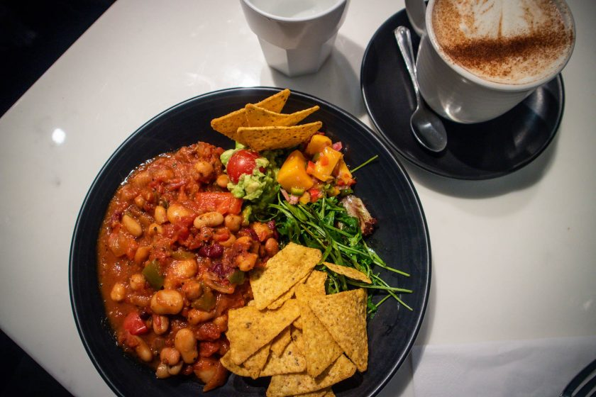 Vegan chilli bowl and chai latte at Mimi's Bakehouse in Edinburgh